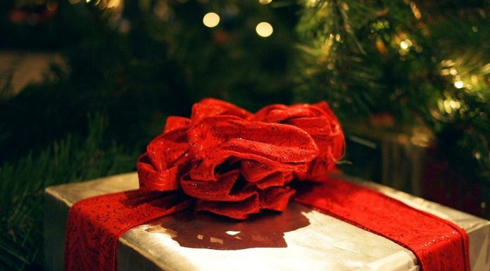 2015 online holiday shopping deal and discount tracker
