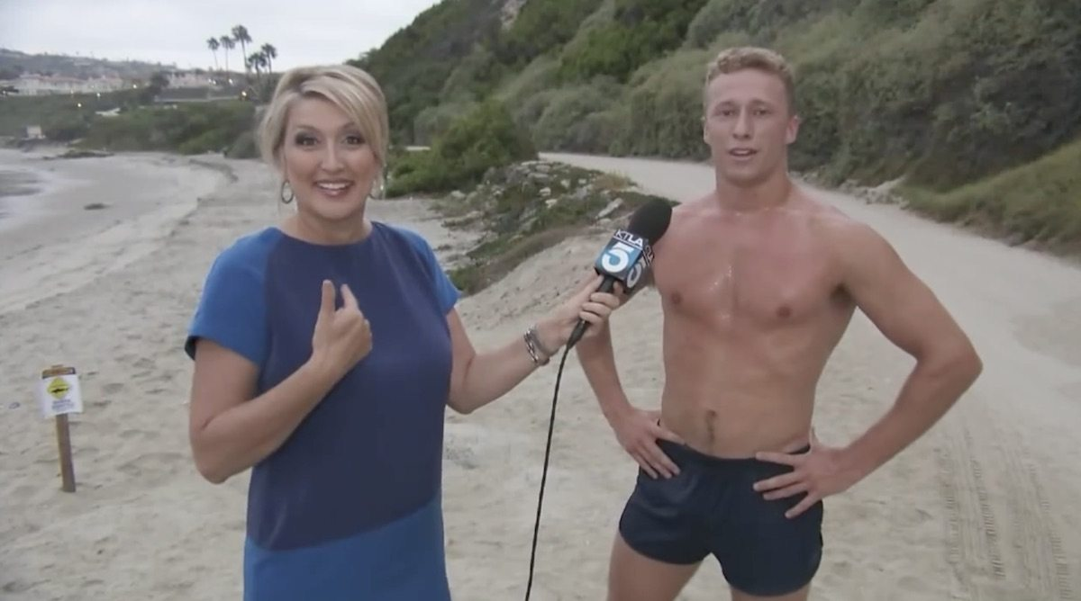Video shirtless aussie dude is just too much for la reporter cactus