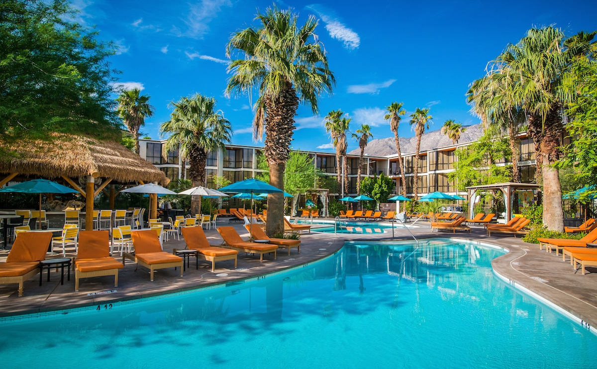 Spa Hotels Near Palm Springs