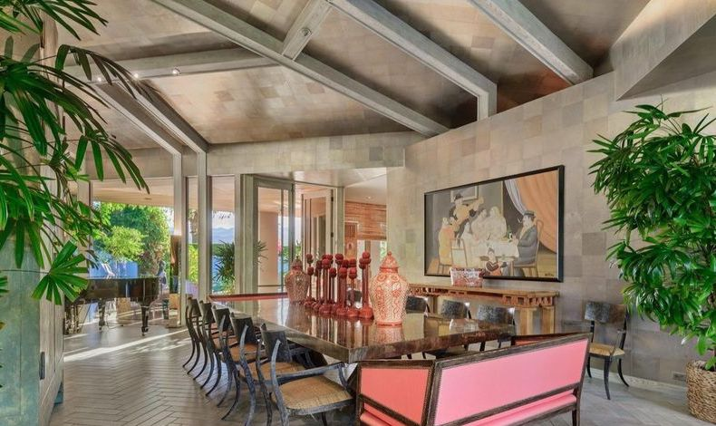 Rancho Mirage place with golf course views and a hanging